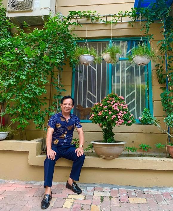 Nghệ sĩ Quang Tèo khoe khu vườn nhỏ muôn hoa đua sắc trước căn chung cư 7 tỷ đồng-8