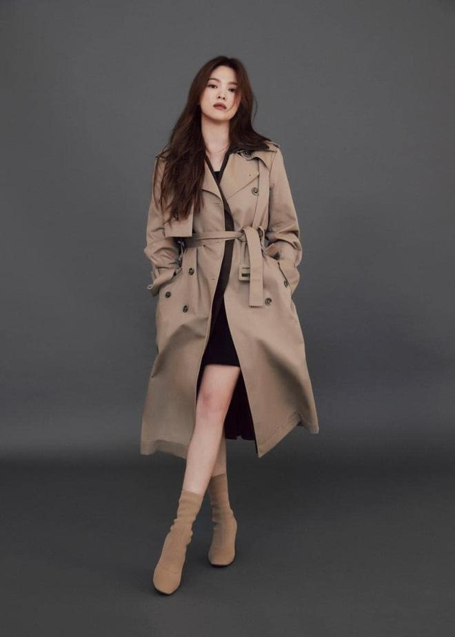 """Sau bao lần bị chê mặc sến, Song Hye Kyo giờ lên đời"""" diện đồ sang xịn hơn người mẫu-9"""