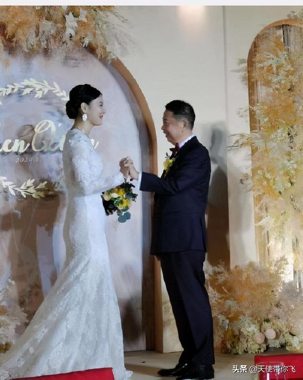 Cô dâu hot nhất hôm nay: Mẫu nữ cưới trùm vàng U65 sở hữu gia sản 500.000 tỷ, quá khứ phức tạp cùng tuyên ngôn gây tranh cãi-10