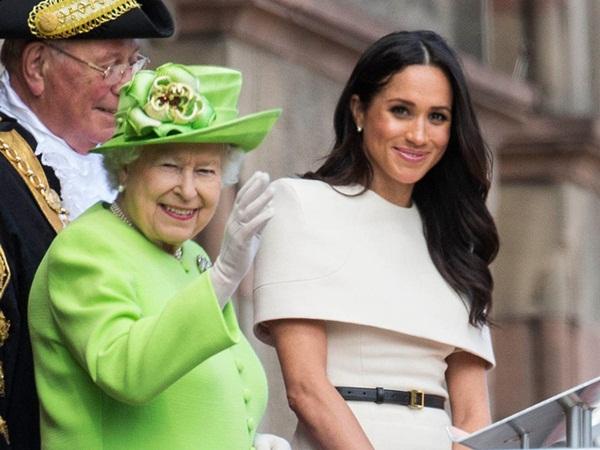 Chuyên gia tiết lộ nước đi sai lầm của Nữ hoàng Anh khiến Meghan Markle quay lưng với hoàng gia và sẽ không bao giờ quay trở lại đây-1