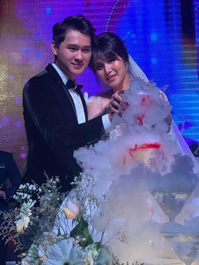 Điều ít biết về chồng hai kém 8 tuổi, vừa âm thầm kết hôn với Thảo Trang-7