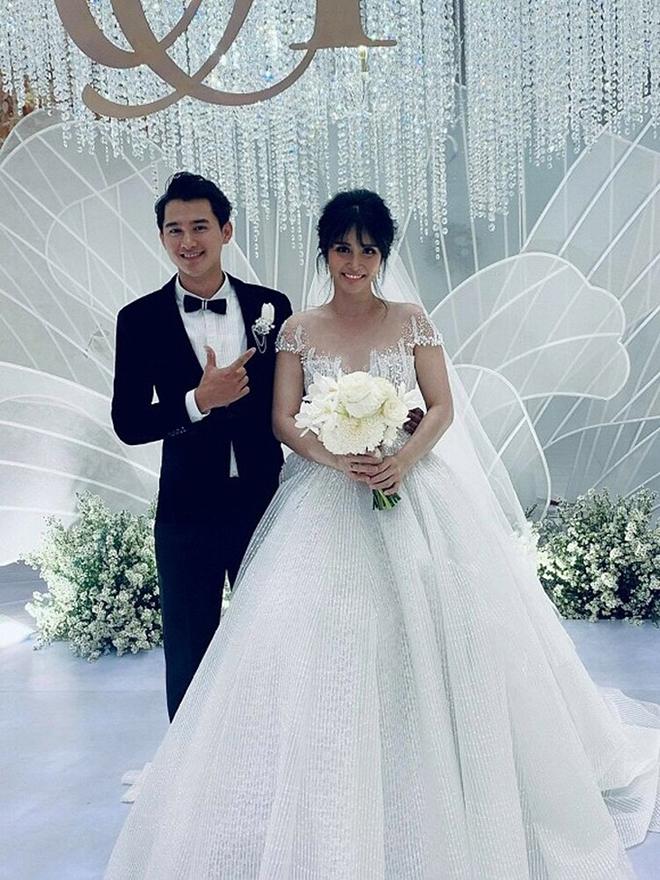 Điều ít biết về chồng hai kém 8 tuổi, vừa âm thầm kết hôn với Thảo Trang-8