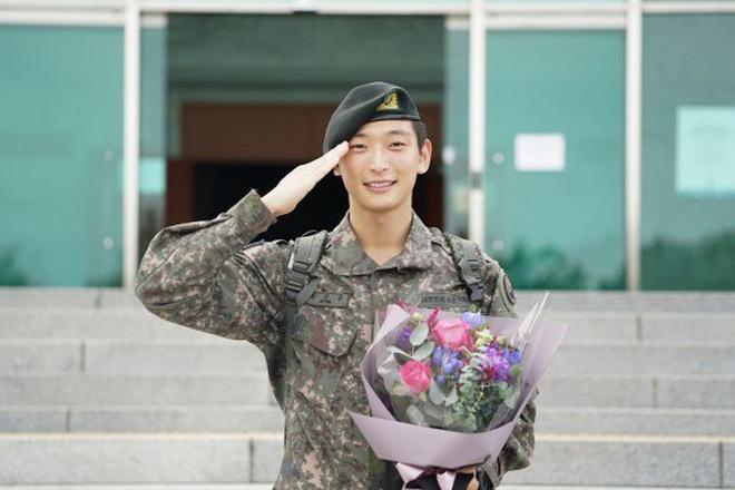 """KBS bóc trần"""" bê bối tài tử Hậu Duệ Mặt trời và 6 nam idol SHINee, BTOB, 2AM... nhận biệt đãi vô lý trong quân đội-7"""