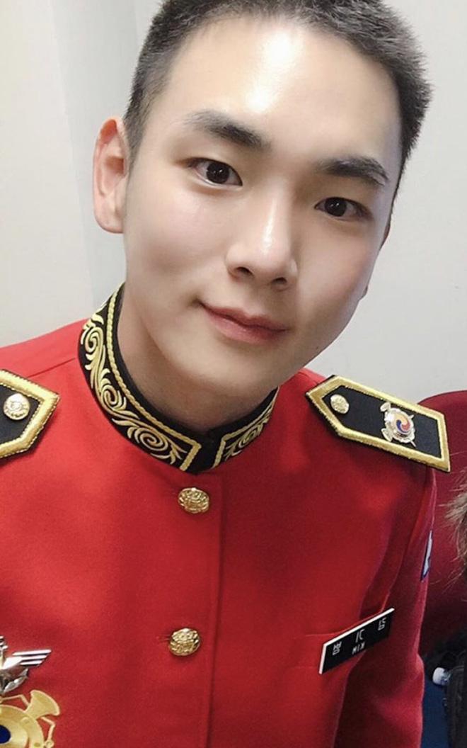 """KBS bóc trần"""" bê bối tài tử Hậu Duệ Mặt trời và 6 nam idol SHINee, BTOB, 2AM... nhận biệt đãi vô lý trong quân đội-5"""