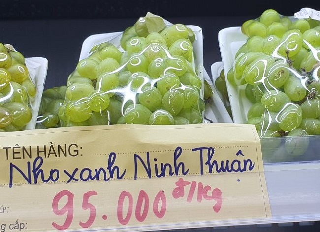 """Nho xanh không hạt giá siêu rẻ"""" bán tràn lan, người trồng nho ở Ninh Thuận nói gì?-5"""