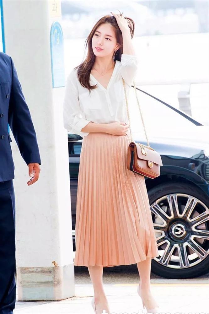 Chân váy xếp ly chính là bảo bối mặc đẹp cho nàng công sở, đã dễ diện còn không bao giờ lỗi mốt-3