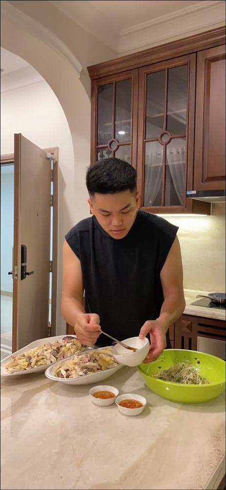 Tập hai của Lê Phương không hổ danh ông chồng vàng 10, nhìn đĩa cơm gà thần thánh anh nấu là biết ngon hết sảy, các anh nên học hỏi để lấy lòng vợ-2