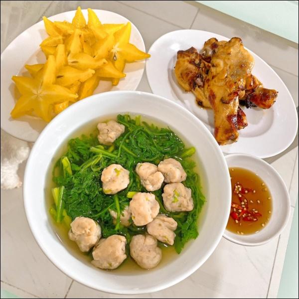 Tập hai của Lê Phương không hổ danh ông chồng vàng 10, nhìn đĩa cơm gà thần thánh anh nấu là biết ngon hết sảy, các anh nên học hỏi để lấy lòng vợ-13