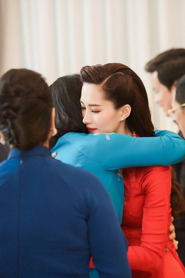 Làm dâu nhà hào môn, loạt mỹ nhân Việt được nhà chồng đối xử thế nào?-2