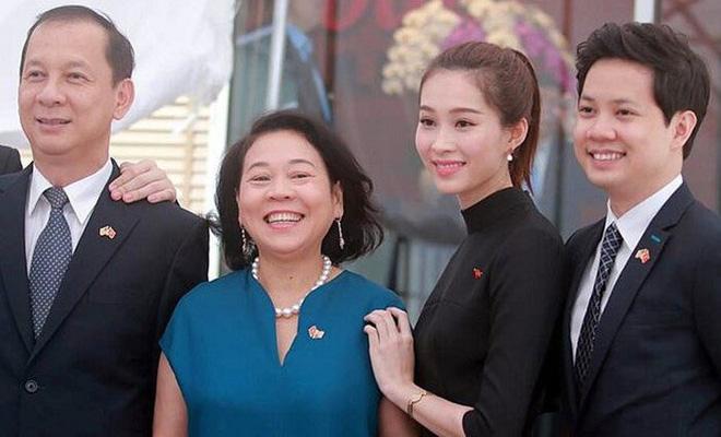 Làm dâu nhà hào môn, loạt mỹ nhân Việt được nhà chồng đối xử thế nào?-3