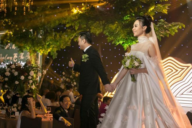 Làm dâu nhà hào môn, loạt mỹ nhân Việt được nhà chồng đối xử thế nào?-10