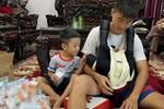 Con trai Duy Mạnh chính thức gia nhập hội hot kid Việt với bức ảnh góc nghiêng thần thánh được bố chụp sương sương trên story-6