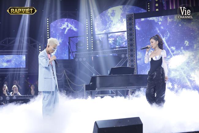 Rap Việt: Dế Choắt tiến thẳng chung kết, nhưng xuất sắc không kém là màn diss nhẹ của 16 Typh với Binz-7