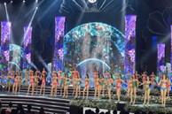 """Khoảnh khắc """"thót tim"""" của thí sinh trong phần trình diễn bikini tại đêm Bán kết Hoa hậu Việt Nam 2020"""
