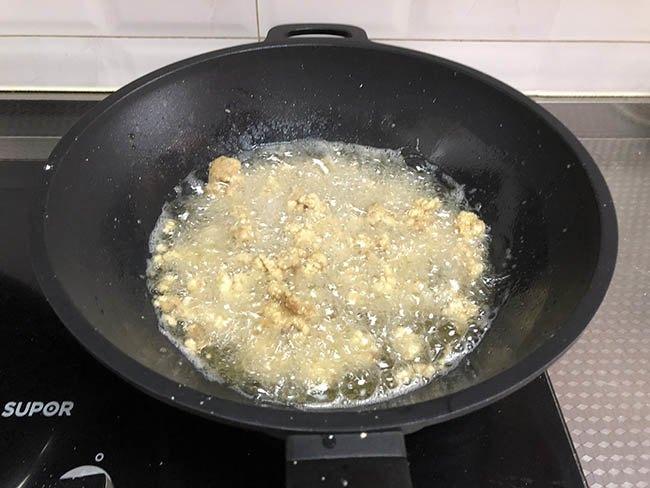 Vẫn là thịt thăn dai khô, nhưng đem xào thế này cơm nấu nhiều thế nào cũng chẳng đủ-5