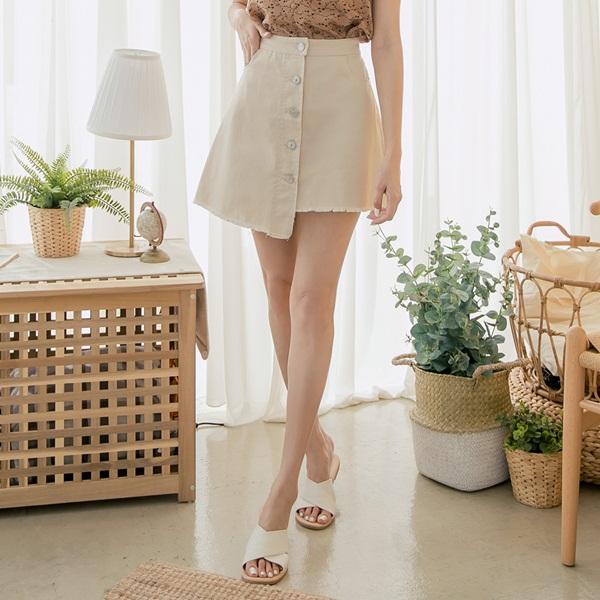 3 kiểu chân váy có khả năng hô biến 5kg, giúp các chị em trông thon thả hơn tức thì-3