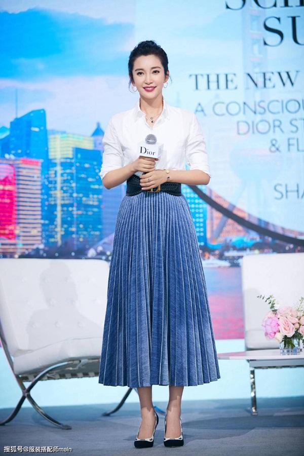 3 kiểu chân váy có khả năng hô biến 5kg, giúp các chị em trông thon thả hơn tức thì-5