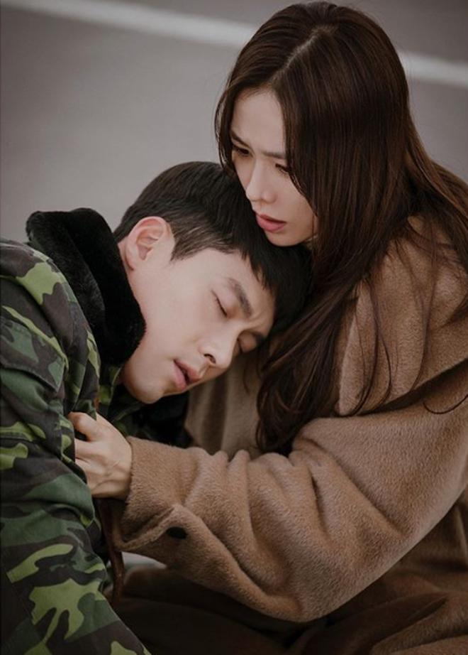 MXH rầm rộ tin Hyun Bin - Son Ye Jin bí mật kết hôn lúc quay Hạ Cánh Nơi Anh, loạt nhà báo lên truyền hình kể lại sự việc-2