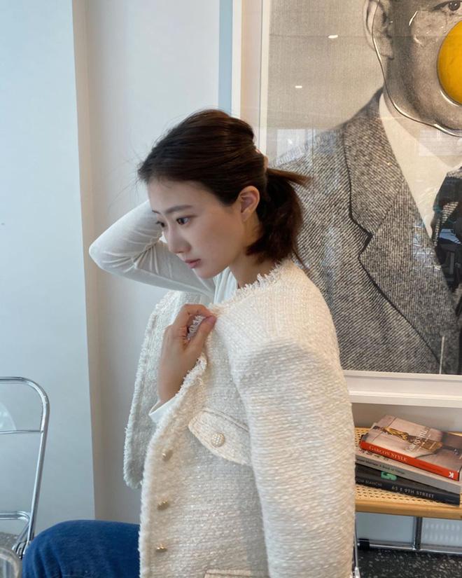 Chưa cần sắm đồ hiệu giá trên trời, Thu này bạn cứ mua áo khoác tweed về mặc là chanh sả như người có tiền-3