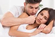 Sau sinh đêm nào chồng 'gạ' vợ cũng quay lưng nói 'em mệt lắm', lén đặt camera thì chết điếng