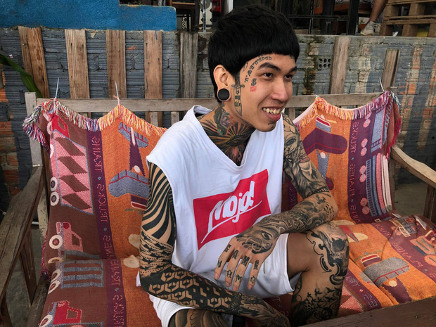 Thí sinh đầu tiên vào chung kết Rap Việt: Cơ cực mưu sinh và ý nghĩa hình xăm trên cơ thể-3