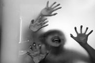 Mẹ bị 7 người đàn ông thay nhau cưỡng hiếp nhưng đau đớn tột cùng hơn khi chứng kiến cảnh con trai 5 tuổi đi cùng bị giết chết
