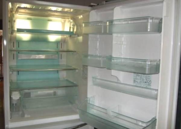 Cách khử mùi tủ lạnh lâu ngày không dùng chỉ trong tích tắc từ những nguyên liệu tự nhiên, sẵn có-1