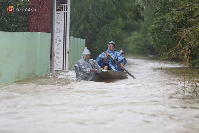 Người dân 5 ngày ăn cháo trắng kèm muối, đêm không dám ngủ trong trận lũ lịch sử ở Quảng Bình-3
