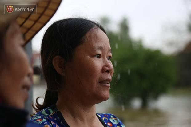 Người dân 5 ngày ăn cháo trắng kèm muối, đêm không dám ngủ trong trận lũ lịch sử ở Quảng Bình-7