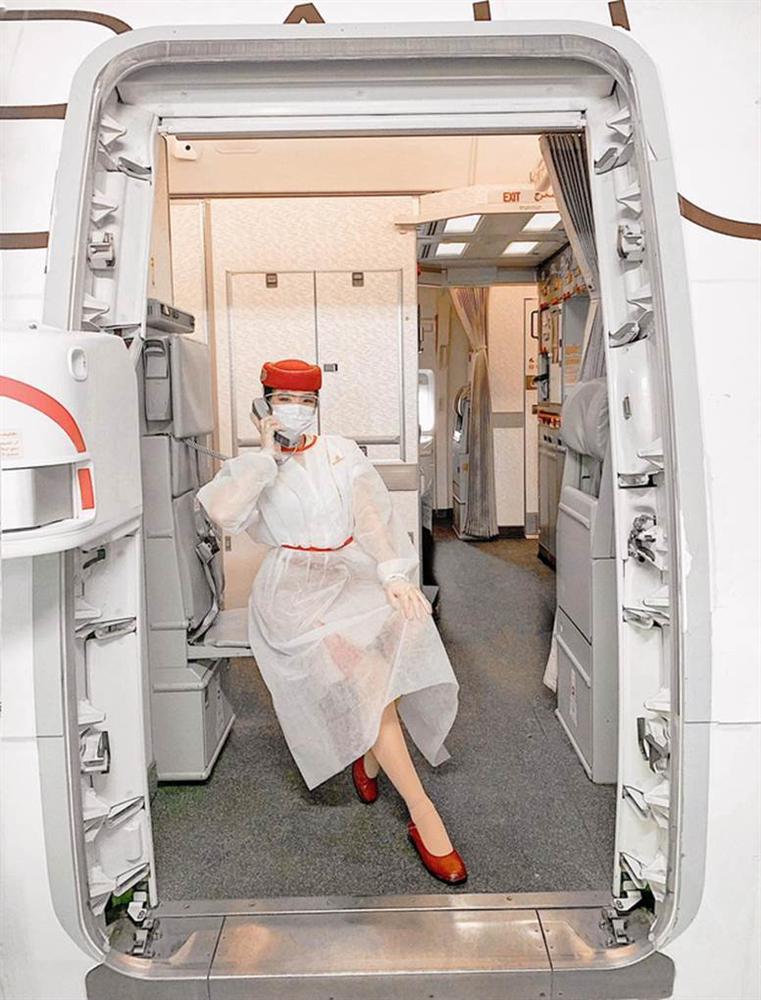 Gái đẹp Việt làm tiếp viên tại hãng hàng không đắt giá nhất hành tinh: Lương gần 1 tỷ/năm, từng đặt chân đến 76 quốc gia-2