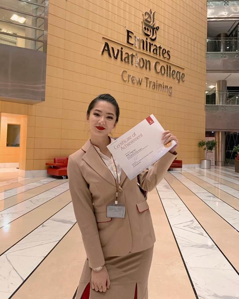 Gái đẹp Việt làm tiếp viên tại hãng hàng không đắt giá nhất hành tinh: Lương gần 1 tỷ/năm, từng đặt chân đến 76 quốc gia-3
