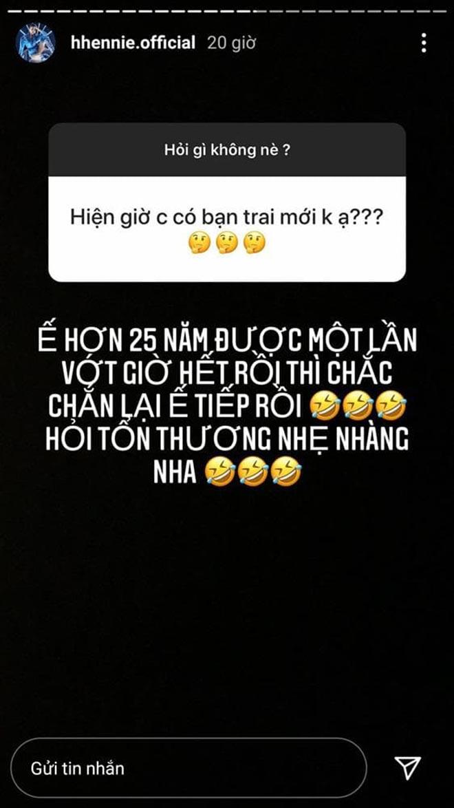 Phản ứng của H'Hen Niê khi bị hỏi chị có bạn trai mới không ạ?-2