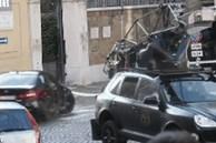 Cảnh lái xe mạo hiểm của Tom Cruise