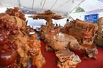 Bóc giá 3 bộ bàn ghế bằng ngọc nổi tiếng ở Việt Nam-12