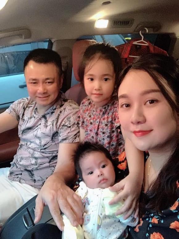 NSND Tự Long hiếm hoi khoe ảnh đầy đủ cả 3 con, con trai lớn với người vợ đầu tiên giờ đã phổng phao?-7
