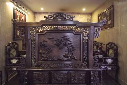 Choáng ngợp căn nhà nội thất toàn gỗ khắc nguyên khối tiền tỉ của đại gia Hà thành-3