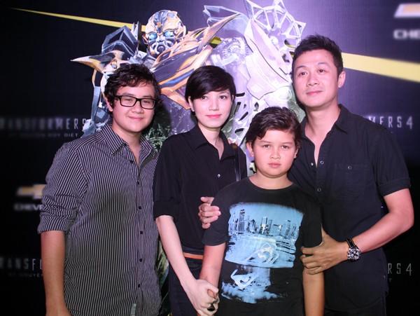 Hai cậu con trai lai Tây của MC Anh Tuấn: Càng lớn càng giống hệt bố, học rất giỏi và được nuôi dạy tinh tế đến nhường này-2