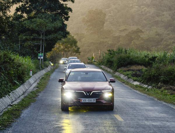 VinFast Lux A2.0 - sedan hạng sang đắt khách tháng 9-2
