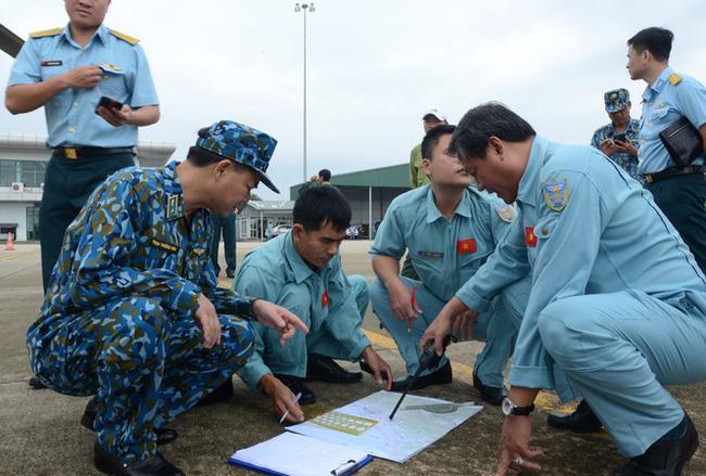 Hình ảnh gây sốc về trạm kiểm lâm nơi 13 chiến sĩ gặp nạn trên đường cứu hộ thủy điện Rào Trăng 3: Không còn gì ngoài đất đá, tiếng gọi còn ai không mãi không được đáp lời-1
