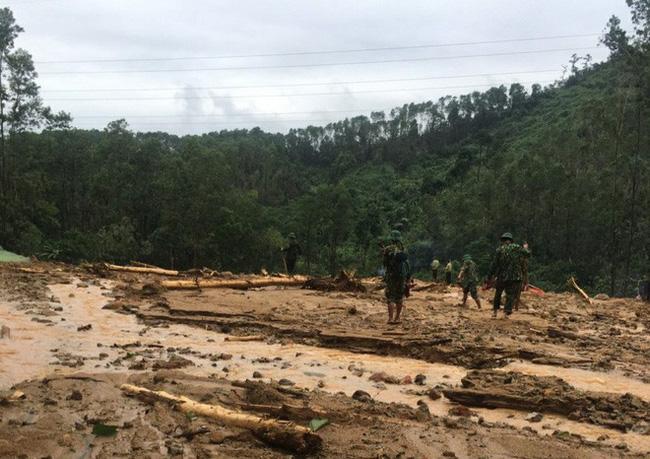 Hình ảnh gây sốc về trạm kiểm lâm nơi 13 chiến sĩ gặp nạn trên đường cứu hộ thủy điện Rào Trăng 3: Không còn gì ngoài đất đá, tiếng gọi còn ai không mãi không được đáp lời-7
