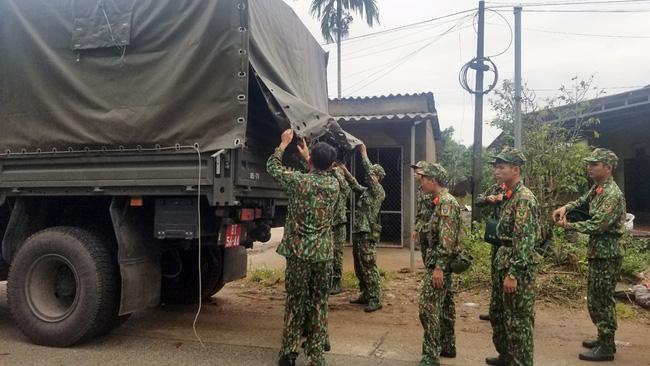Hình ảnh gây sốc về trạm kiểm lâm nơi 13 chiến sĩ gặp nạn trên đường cứu hộ thủy điện Rào Trăng 3: Không còn gì ngoài đất đá, tiếng gọi còn ai không mãi không được đáp lời-9