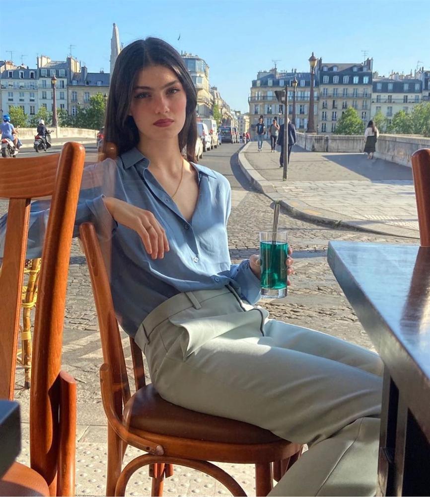 Rồi bạn cũng sẽ duyên dáng như một quý cô Paris, chỉ cần có trong tay 6 món đồ mùa lạnh đầy lãng mạn này-5