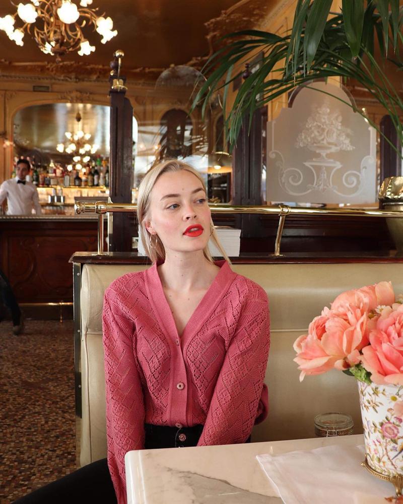 Rồi bạn cũng sẽ duyên dáng như một quý cô Paris, chỉ cần có trong tay 6 món đồ mùa lạnh đầy lãng mạn này-8