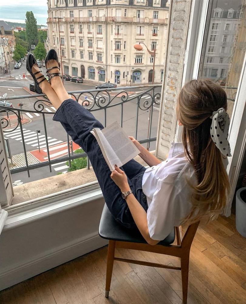Rồi bạn cũng sẽ duyên dáng như một quý cô Paris, chỉ cần có trong tay 6 món đồ mùa lạnh đầy lãng mạn này-9