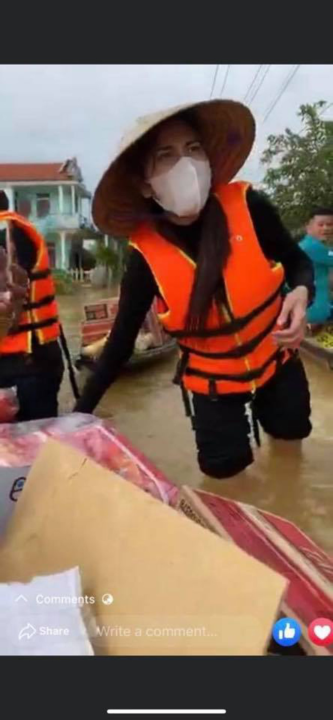 Thuỷ Tiên đã kêu gọi được 22 tỷ đồng sau 2 ngày, cảnh thân mảnh mai lội nước cứu trợ bà con miền Trung gây xúc động!-3