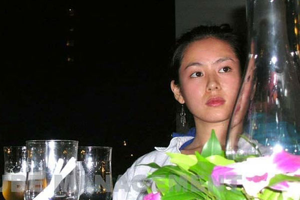 Son Ye Jin lại gây bão MXH nhờ loạt ảnh mặt mộc tự nhiên được chụp ở điều kiện t