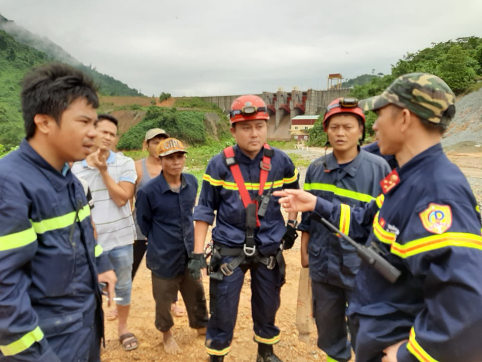 CẬN CẢNH: Kinh hoàng hiện trường sạt lở đất vùi lấp nhà điều hành Thủy điện Rào Trăng 3-3