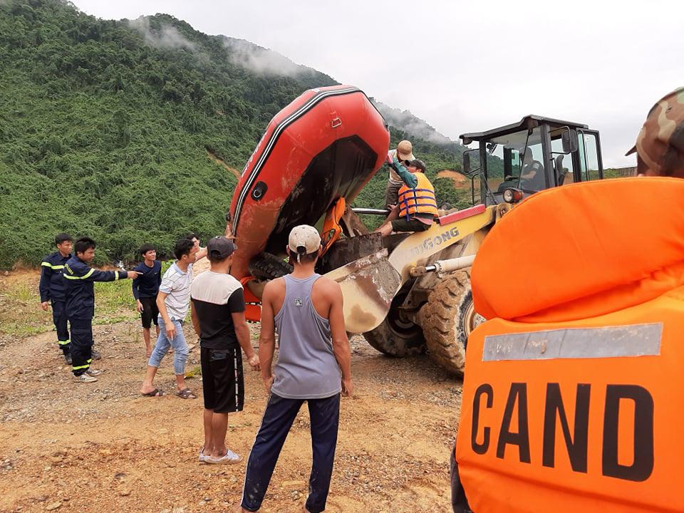 CẬN CẢNH: Kinh hoàng hiện trường sạt lở đất vùi lấp nhà điều hành Thủy điện Rào Trăng 3-4