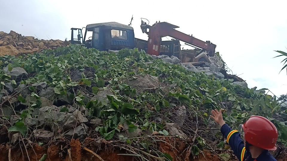 CẬN CẢNH: Kinh hoàng hiện trường sạt lở đất vùi lấp nhà điều hành Thủy điện Rào Trăng 3-7