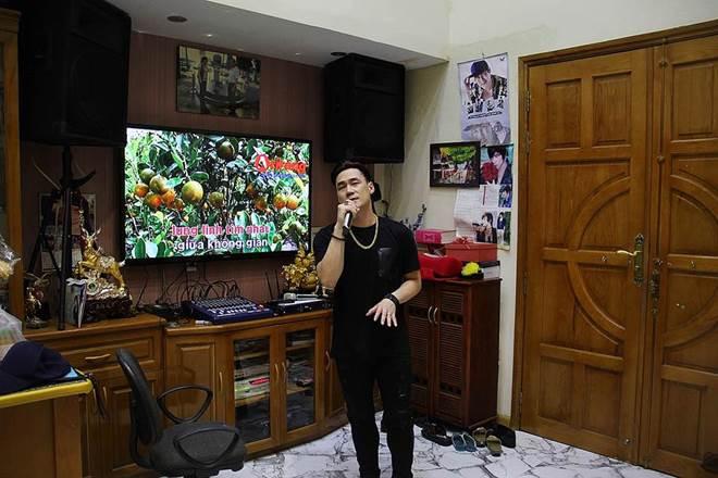"""Nam ca sĩ khiến cá sấu"""" Quỳnh Nga yêu thầm 2 năm ở nhà 200 tỷ, U40 vẫn chưa vợ-9"""